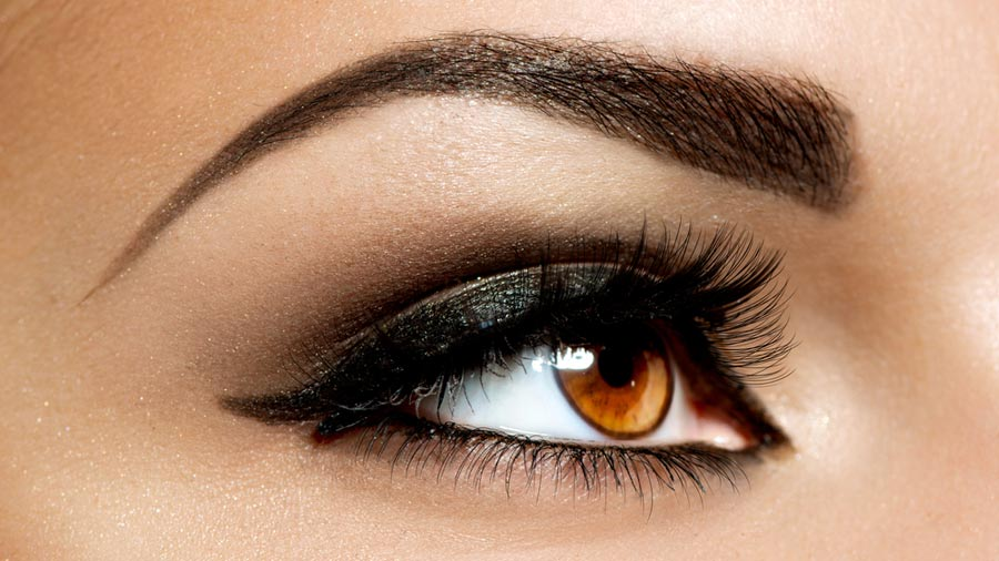 Eyebrow make-up can be easy! Provided that you know a few make-up tricks…